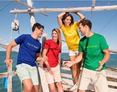 Reklaminiai marškinėliai su stilingais užrašais